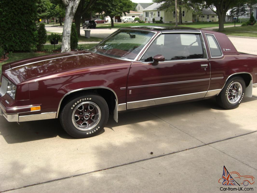 1984 oldsmobile cutlass supreme brougham coupe 5000 original miles. Black Bedroom Furniture Sets. Home Design Ideas