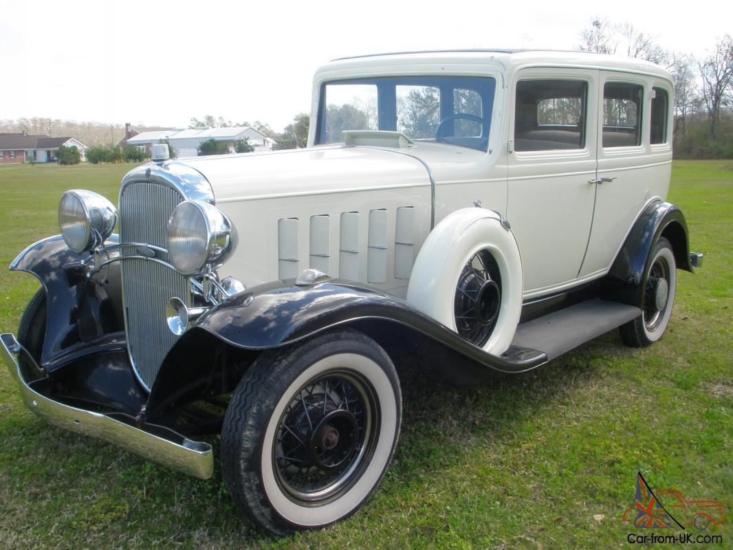 1932 4 door oldsmobile patrician