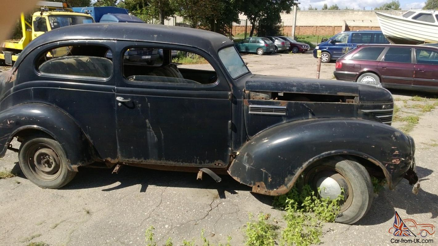 1939 plymouth 2 door sedan