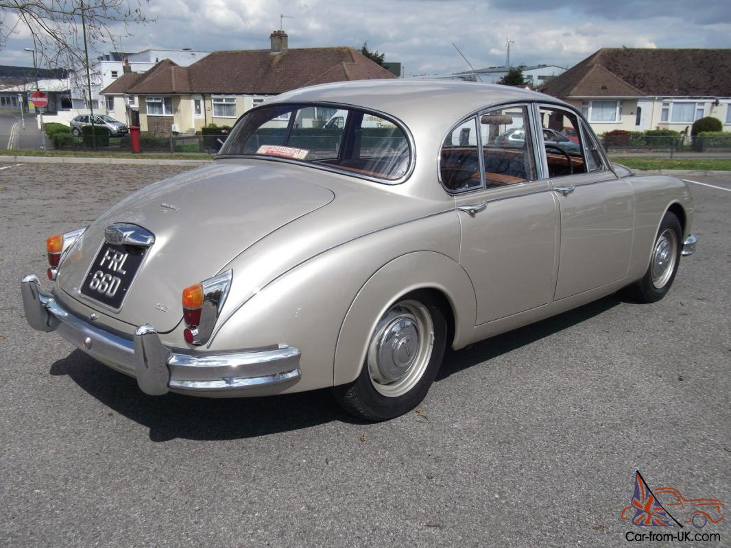 lovely jaguar mk2 3 4 litre mod 1966. Black Bedroom Furniture Sets. Home Design Ideas