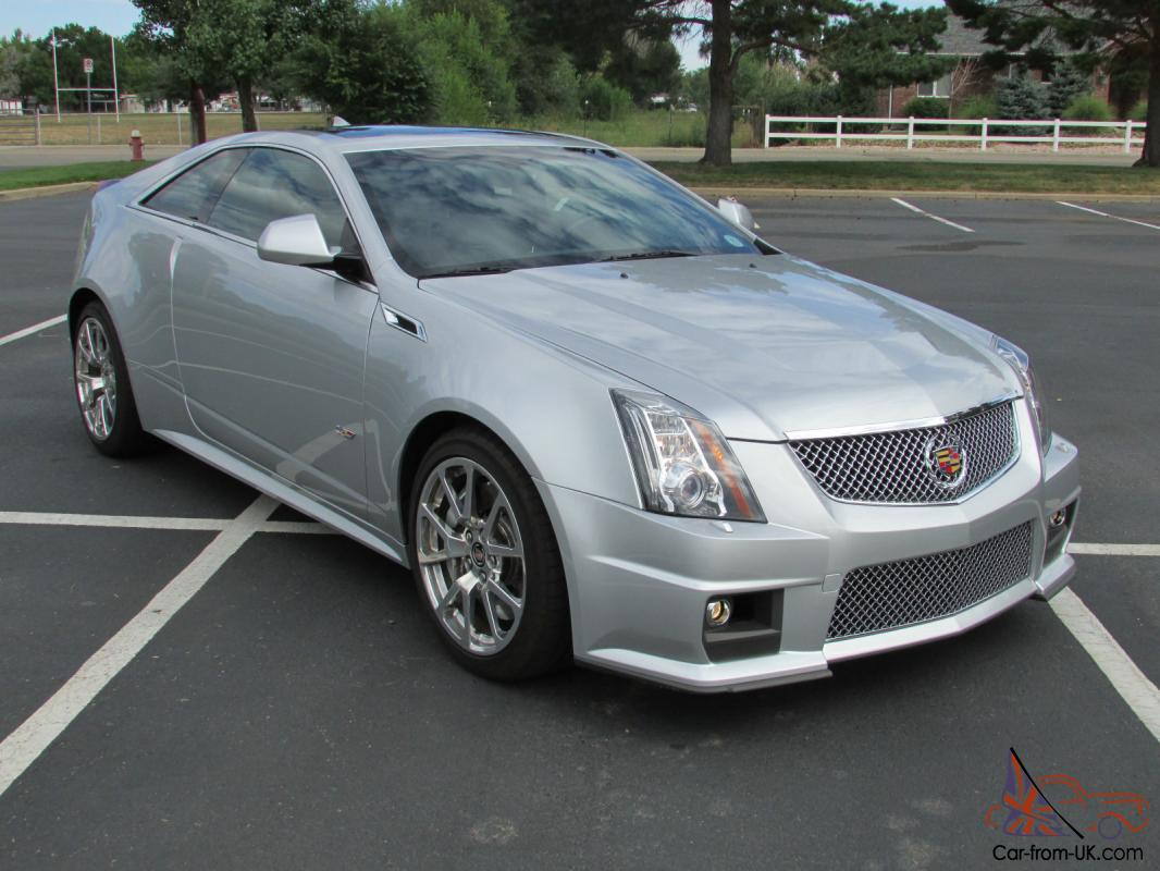 2012 cadillac cts v coupe 2 door 6 2l one owner only 1 900 miles. Black Bedroom Furniture Sets. Home Design Ideas
