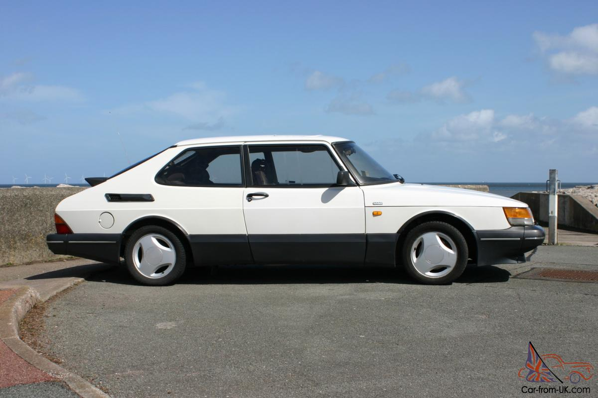 1991 saab 900 turbo dohc t16 s eyecatching in white very good condition. Black Bedroom Furniture Sets. Home Design Ideas