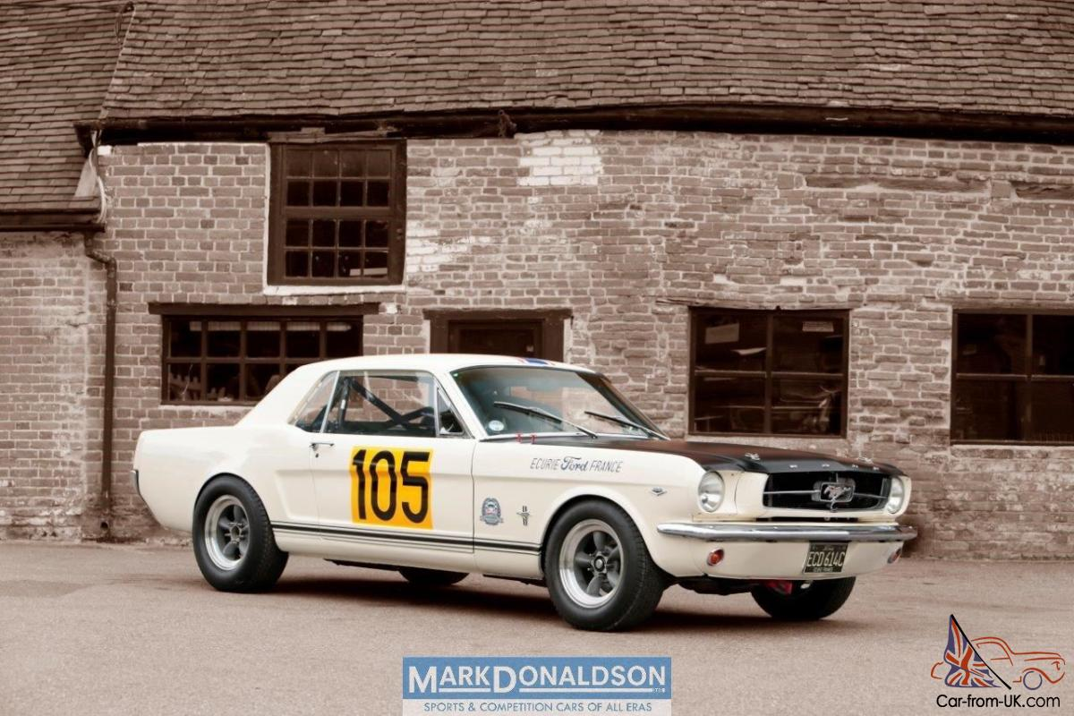 1965 ford mustang historic racecar photo