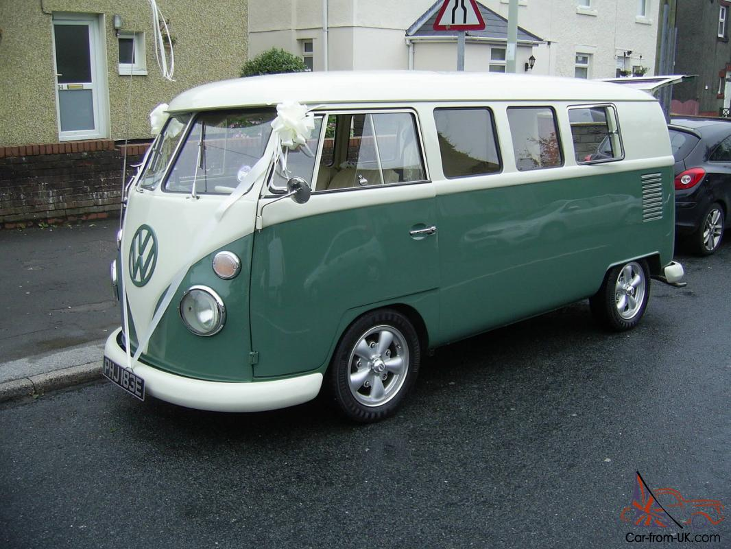 1967 VOLKSWAGEN SPLITSCREEN CAMPERVAN GREEN WHITE READY FOR WORK OR PLAY Photo