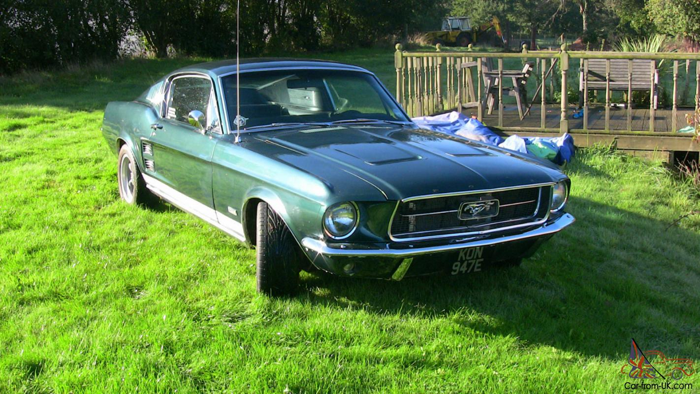 1967 FORD MUSTANG FASTBACK GREEN