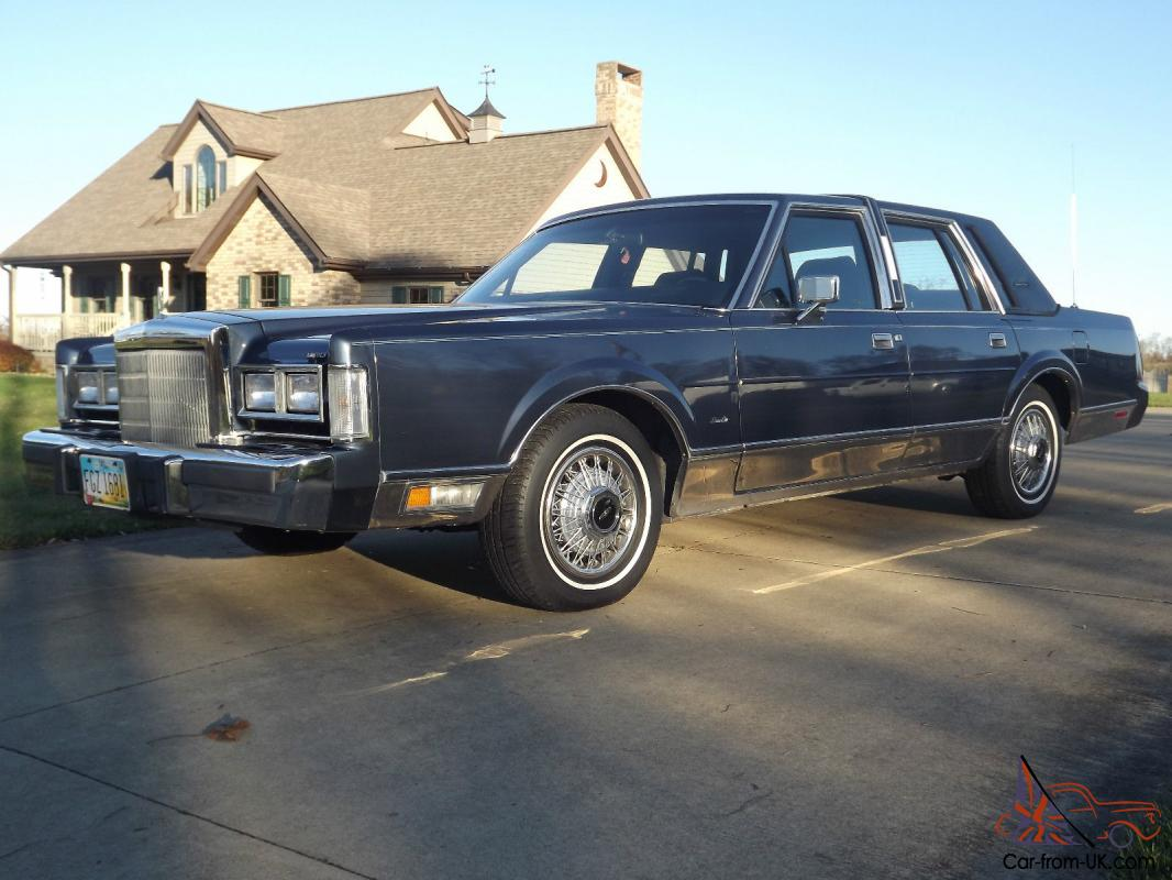 1988 Lincoln Town Car Signature Series Family Owned Since New