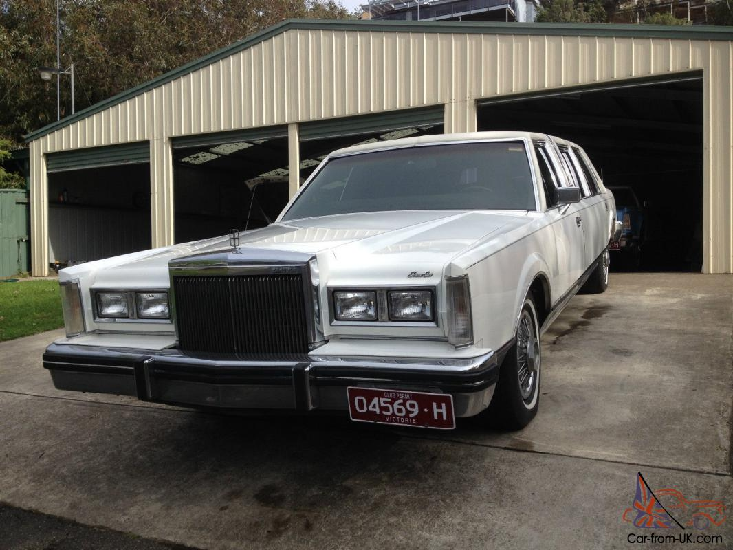 Lincoln Towncar Stretched Limo Classic Club Family Cruiser In Barwon