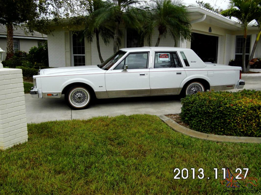 Lincoln Town Car - Signature Series-1984