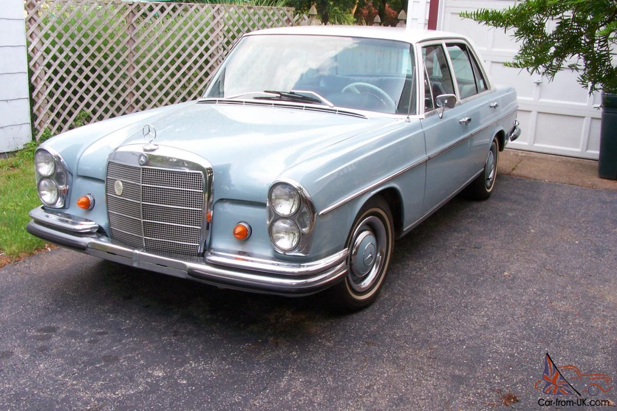 1966 mercedes benz 250 se 4 door