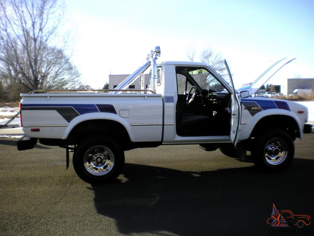 1983 toyota pickup sr5 4x4 100 rust free garage kept must see. Black Bedroom Furniture Sets. Home Design Ideas