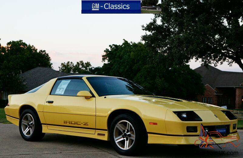 Chevrolet Camaro Iroc Z28 5 7 Liter T Top Collector As New