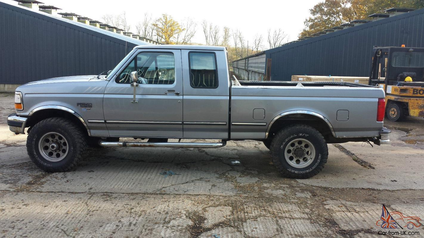 FORD F-250 7.3L POWERSTROKE V8 DIESEL MANUAL PICK UP TRUCK 4WD LHD
