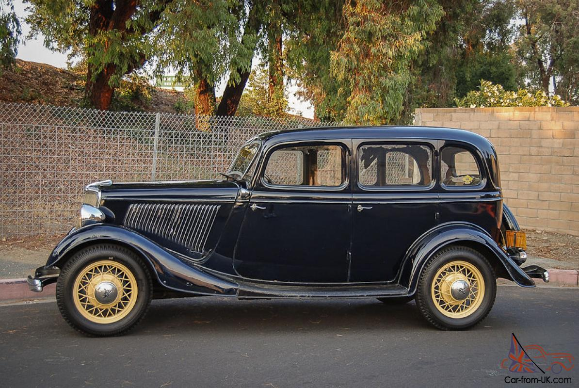 1934 ford deluxe 4 door sedan survivor
