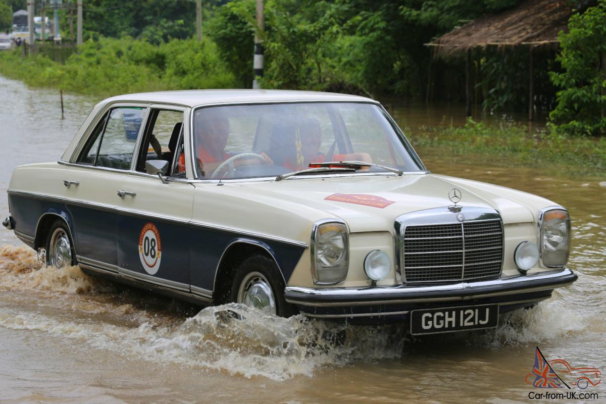 1971 mercedes benz 220 8 w115 classic saloon for 1971 mercedes benz 220