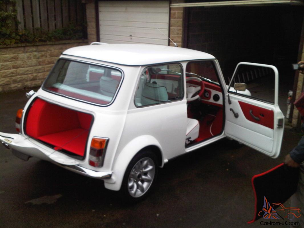 1987 classic austin mini advantage white custom leather. Black Bedroom Furniture Sets. Home Design Ideas