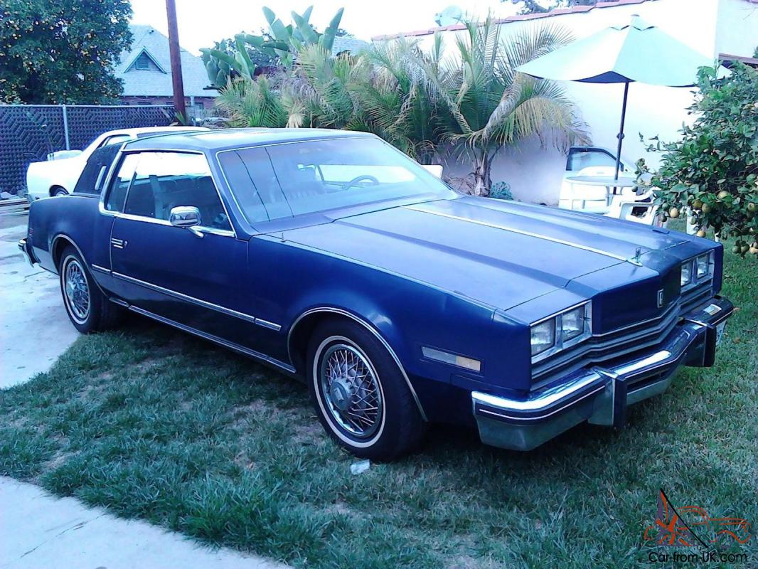 oldsmobile toronado brougham. Black Bedroom Furniture Sets. Home Design Ideas