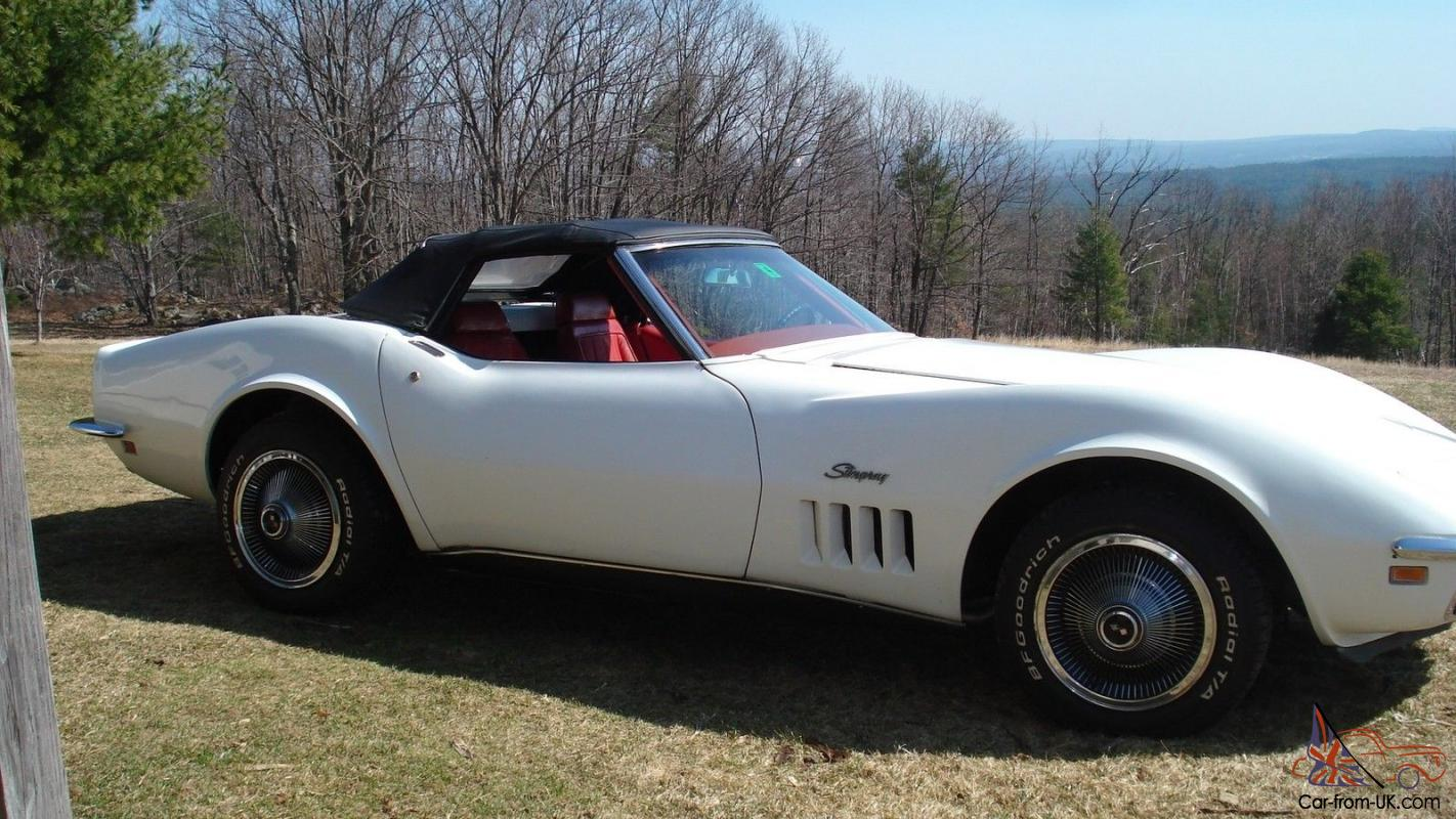Corvette 1969 White With Red Interior Good Condition Complete Working Order