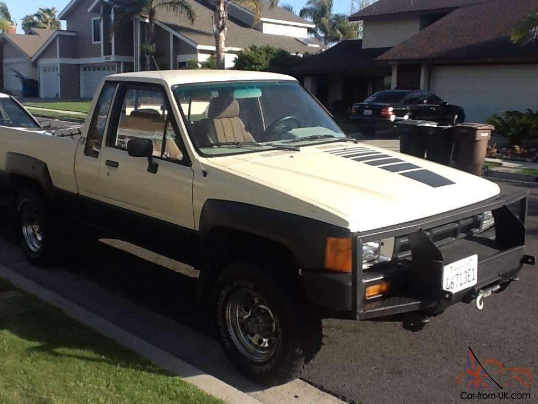 1985 toyota 4x4 diesel truck extra cab pwr steering original looook. Black Bedroom Furniture Sets. Home Design Ideas