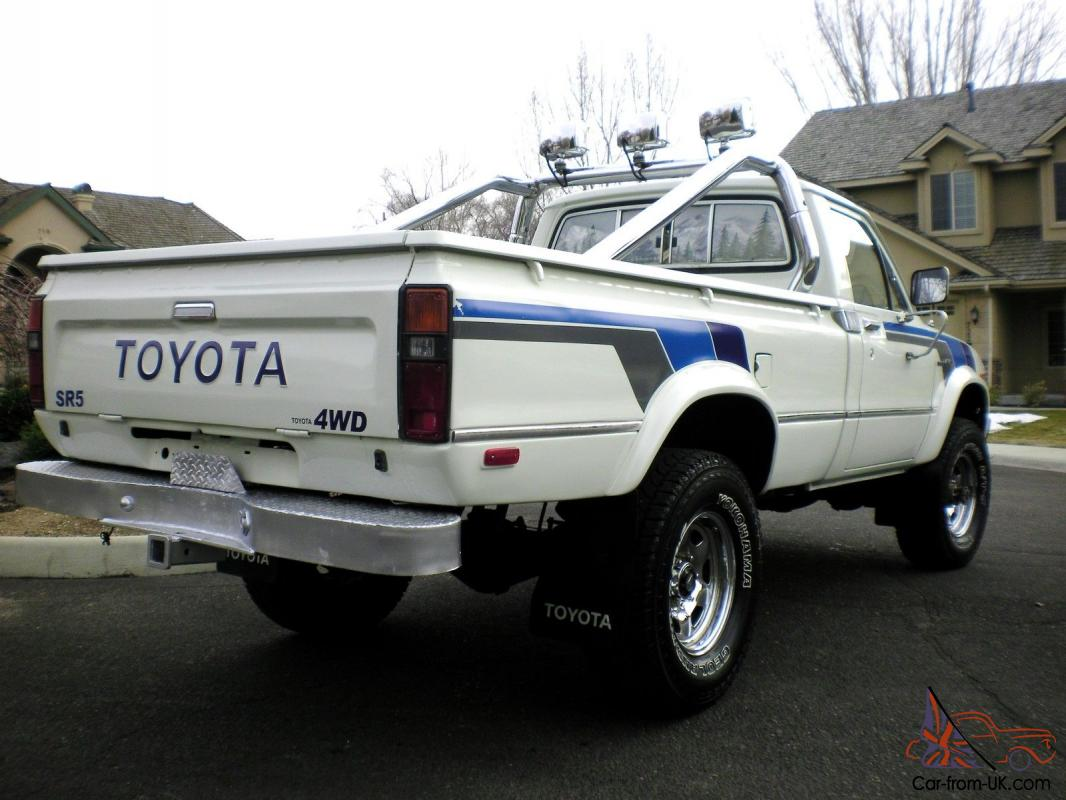 1981 toyota pick up sr5 4x4 100 rust free. Black Bedroom Furniture Sets. Home Design Ideas