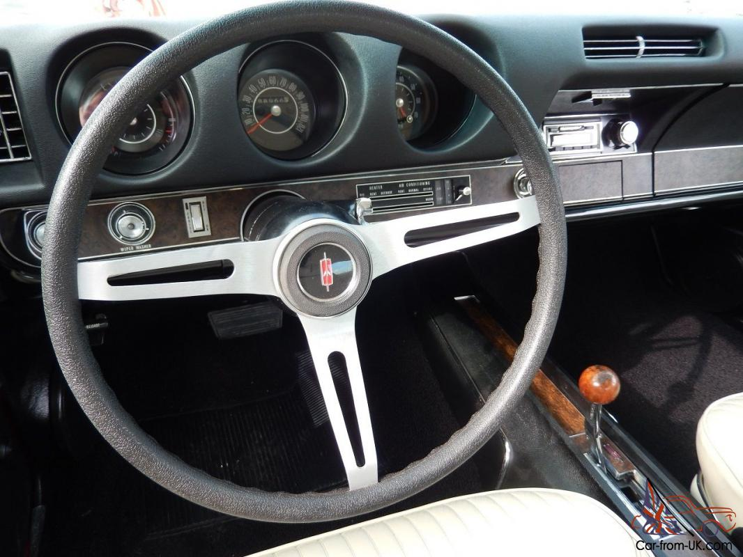 oldsmobile 442 buckets with console