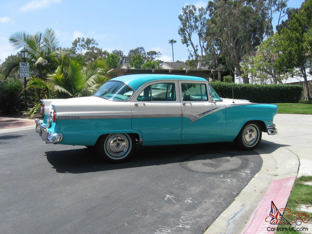 1956 ford fairlane town sedan 4 door