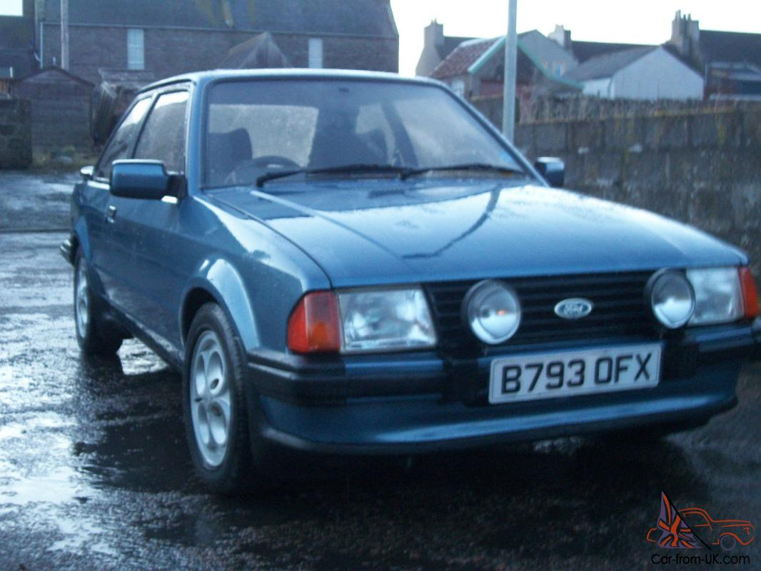 ESCORT MK3 XR3i CLASSIC FORD SERIES1 OLD SCHOOL XR3