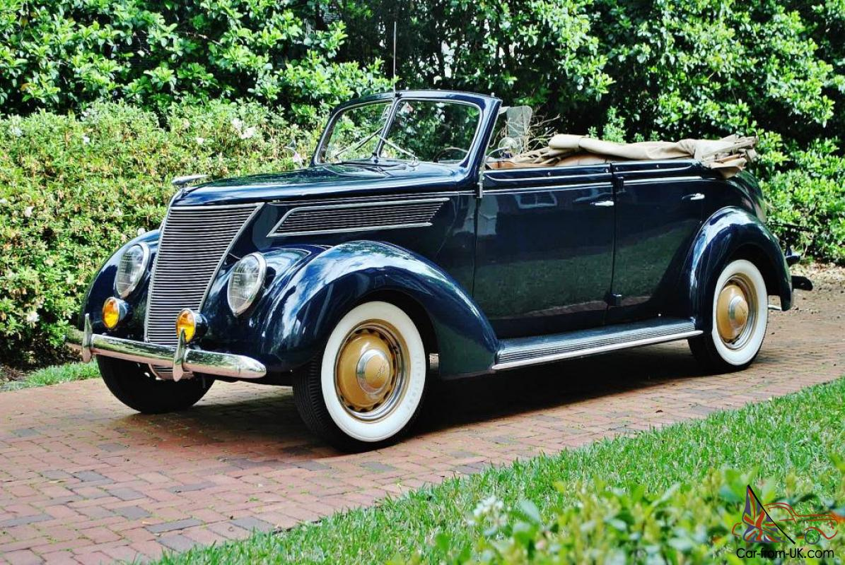 simply gorgeous 37 ford pheaton 4 door convertible dual carb 39 s car must be seen. Black Bedroom Furniture Sets. Home Design Ideas