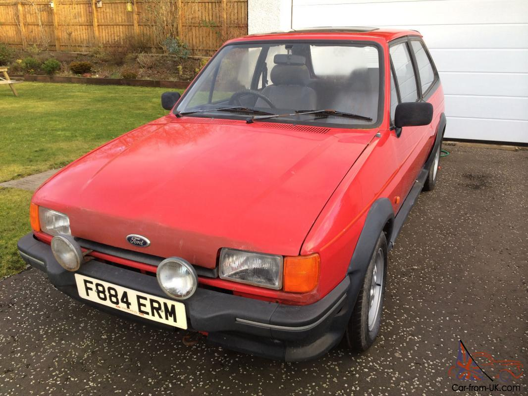 classic ford fiesta mk2 xr2 needs work. Black Bedroom Furniture Sets. Home Design Ideas