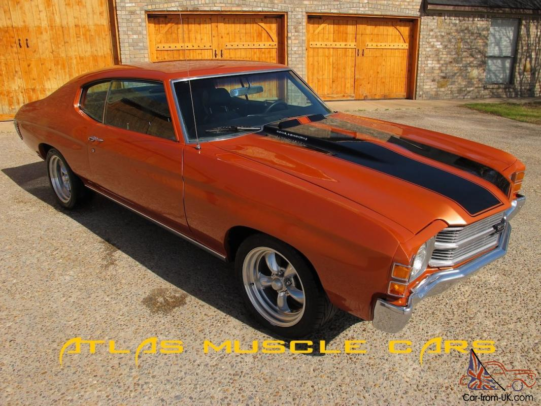 & 1971 Chevelle 350 auto bucket seats disc brakes new paint and interior