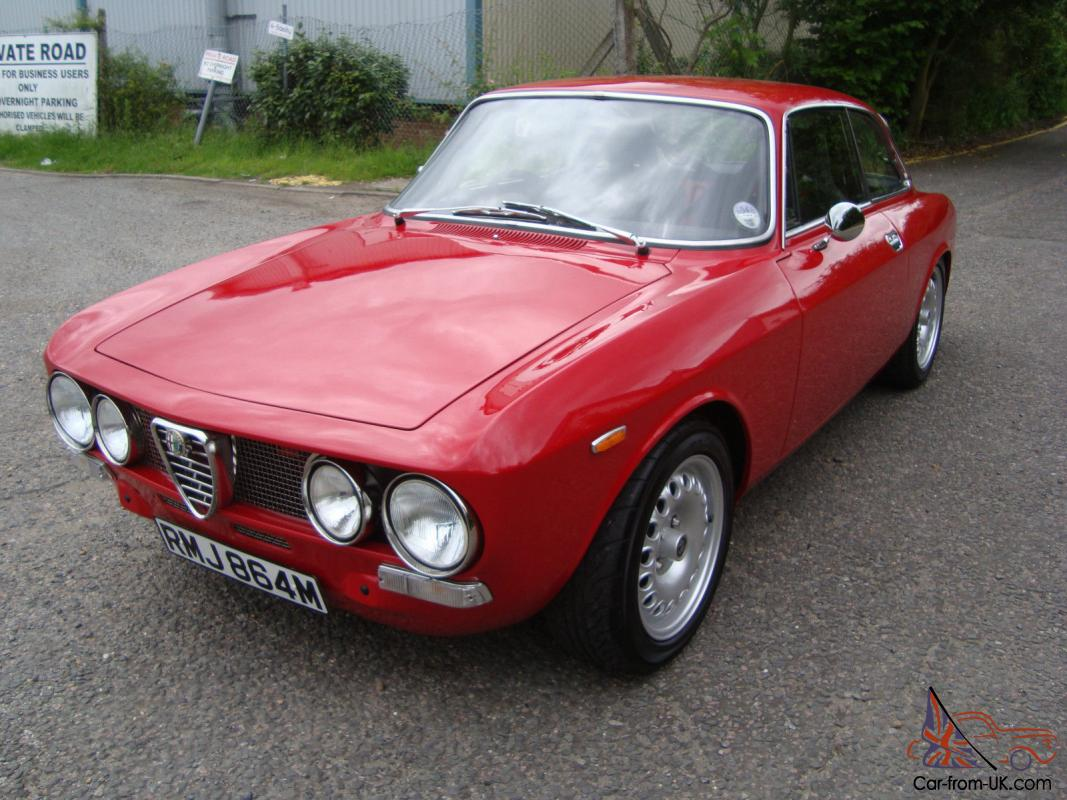 stunning 1973 alfa romeo 2000 gtv 105 bertone giulia 2 door coupe show condition. Black Bedroom Furniture Sets. Home Design Ideas