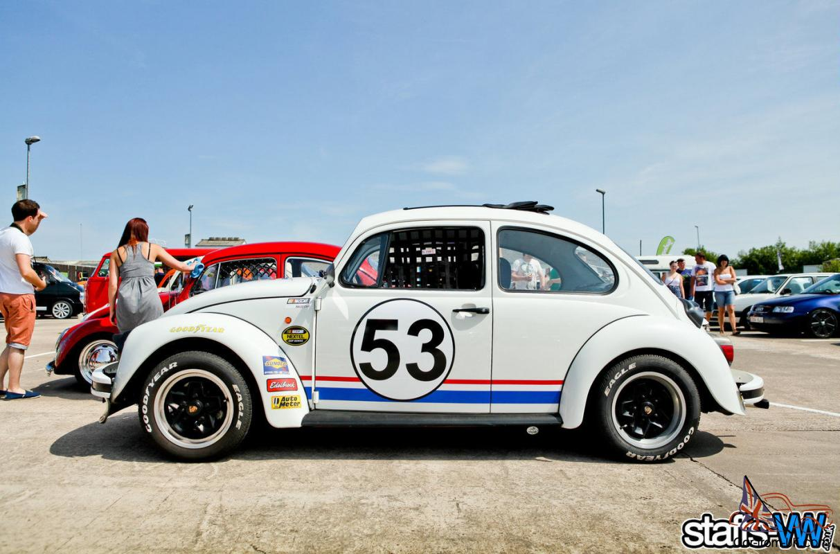 What To Do With Old Car Seats >> Herbie: Fully Loaded replica 1.6i RHD classic shape WV Beetle
