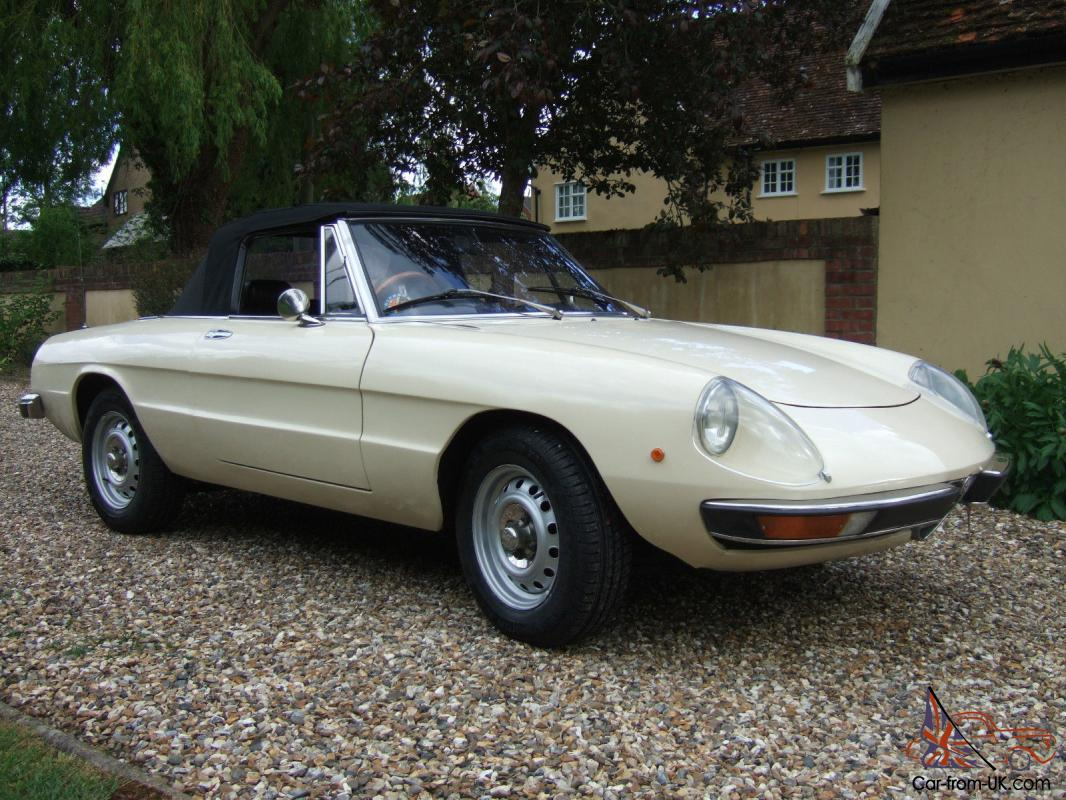 1972 Beige Alfa Romeo Spider S2. ** ly Condition. ** Long MOT.