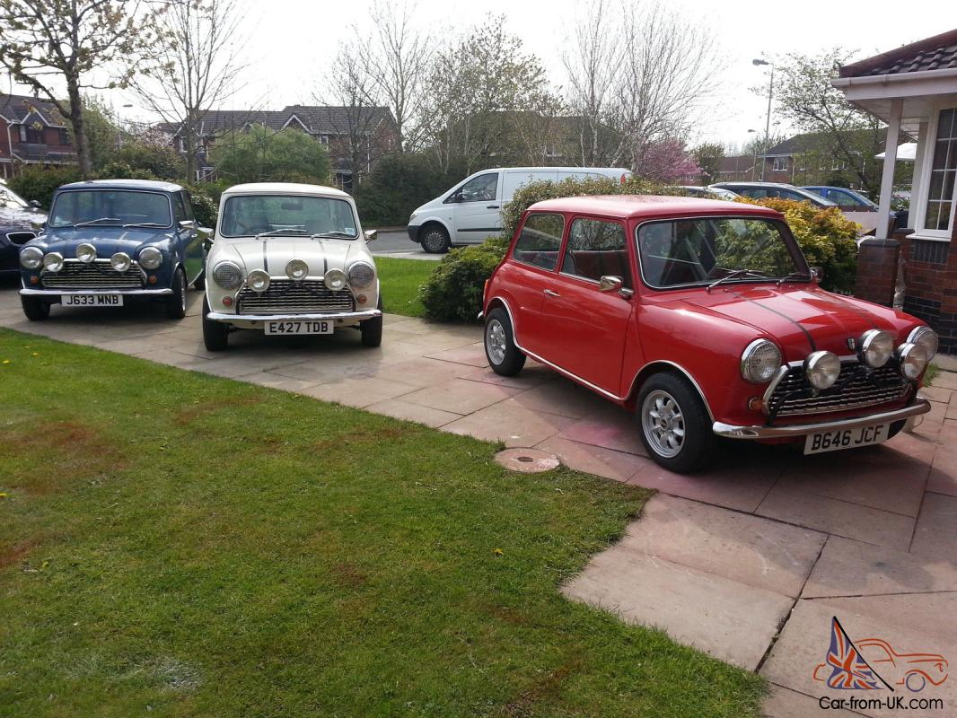 3 X Classic Mini Red White Blue Italian Job Fun Or Business Or