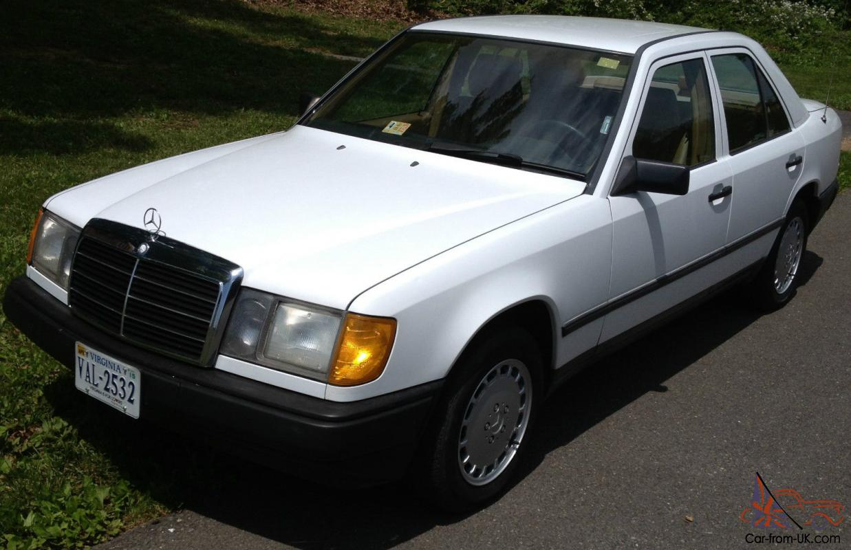 1987 mercedes 260 4 door sedan whit with beige text for Mercedes benz text