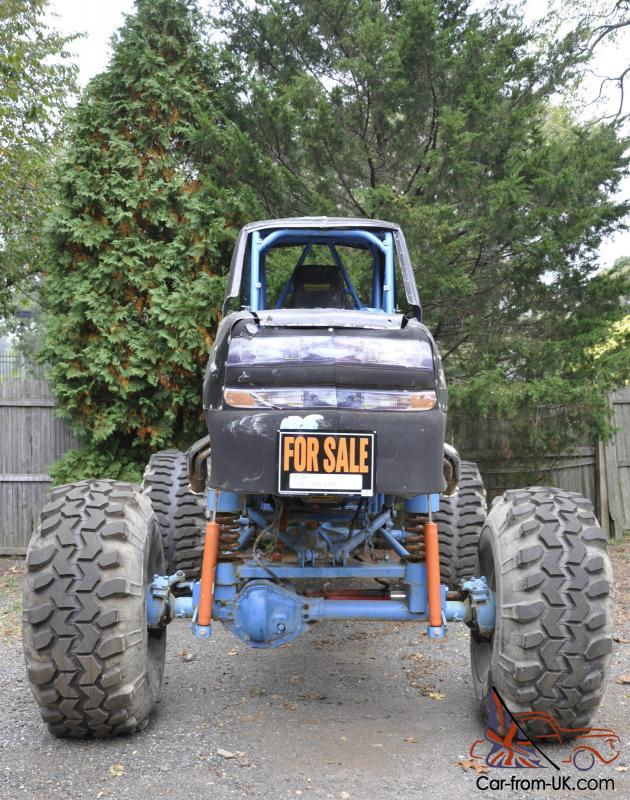 Monster Racing Mud Truck