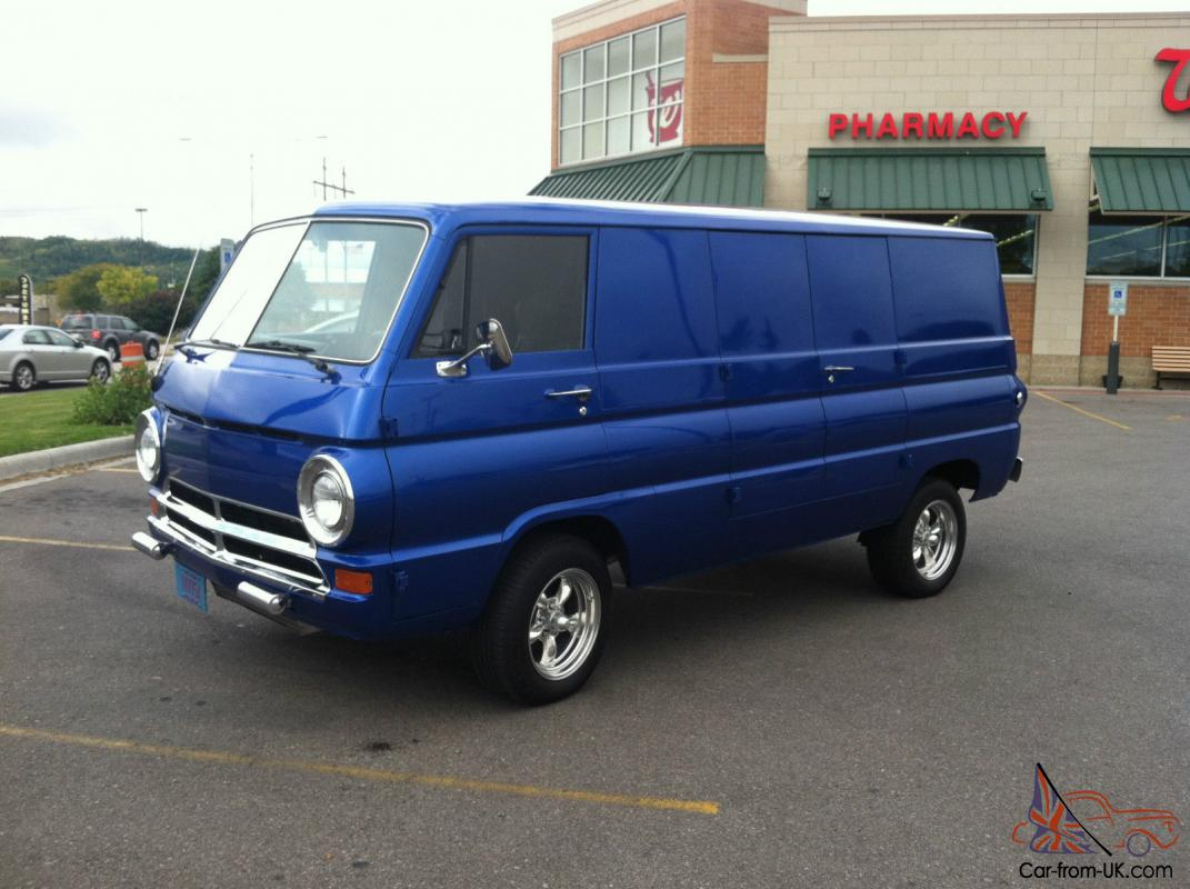 Beautiful 1968 Dodge 8 door Van
