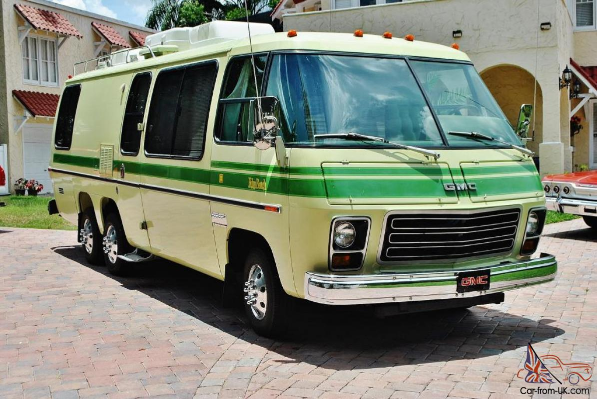 GMC Motor Home 2 owner just 61,308 miles original and mint its scary new