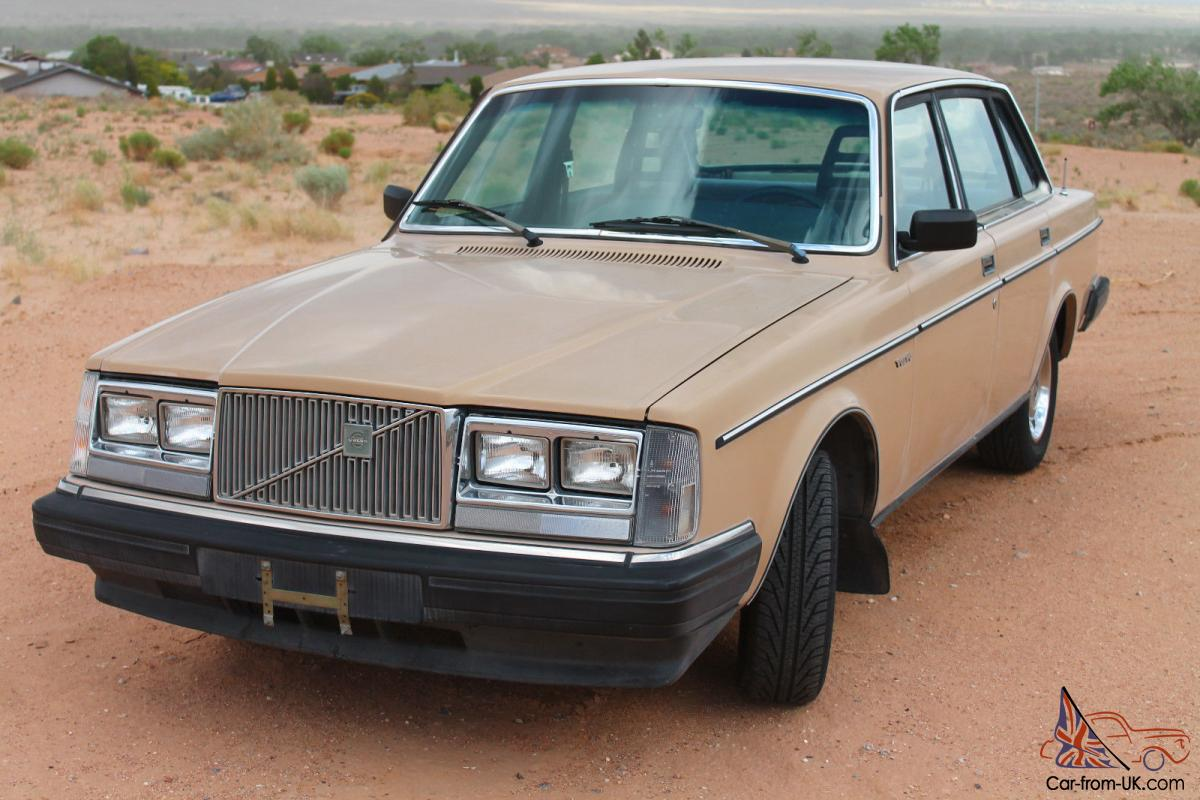 1984 Volvo 240 ONE OWNER Clean, 102K, Rust free, Manual Trans, Immaculate NO RES
