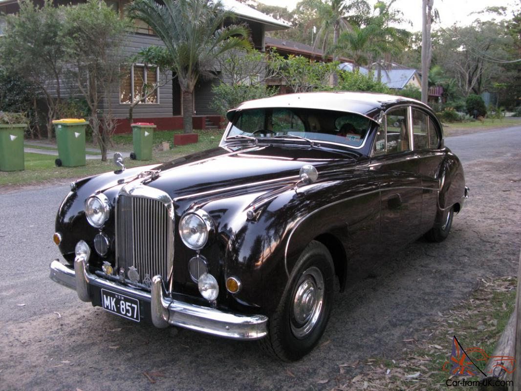 Jaguar Mark VIII - car classics