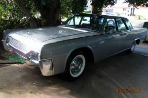 FABULOUS CLASSIC 1961 LINCOLN CONTINENTAL SILVER SUICIDE 4-DOOR approx 38,175 mi
