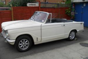 Wonderful Classic Old English White 1965 Triumph Vitesse Convertible 1600