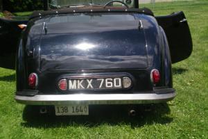 1949 Triumph 2000 Photo
