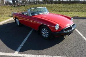 MGB ROADSTER 1976 PX FERRARI RED WITH BLACK HIDE INTERIOR EXCELLENT CONDITION