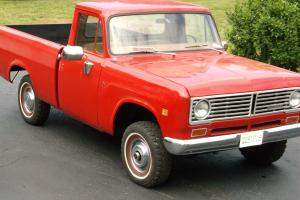 1970 International 1100D - 4 X 4 - Shortbed