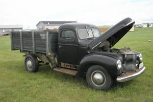 1948 International 2 door dump truck Photo