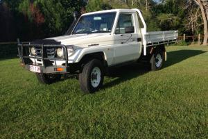 Toyota Landcruiser 4x4 2000 UTE 5 SP Manual 4 2L Diesel NOT Nissan Patrol in Southport, QLD Photo