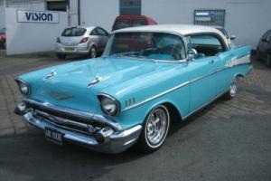 1957 CLASSIC CHEVROLET BEL-AIR V8 4 DOOR SPORTS SEDAN