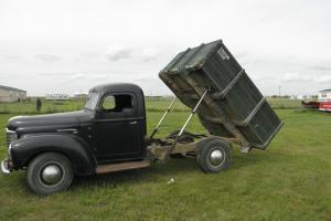 1948 International 2 door dump truck KB3 1 ton Photo