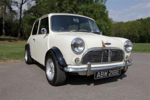 Classic Mini Austin Cooper S Look-a-like