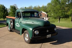 1955 R112 International Pickup BD220 6 cylinder engine w/ manual trans rust free Photo